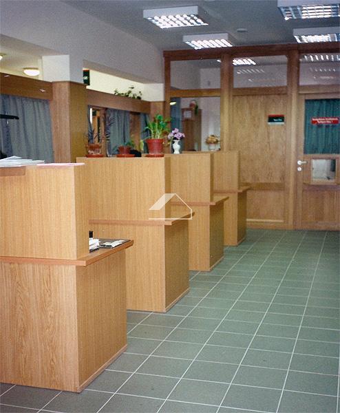 Postahivatal építése
