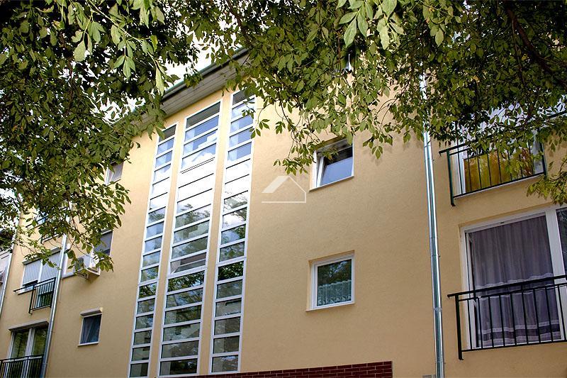 17 lakásos társasház