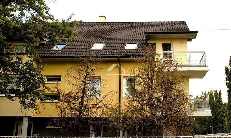 10 lakásos társasház építés