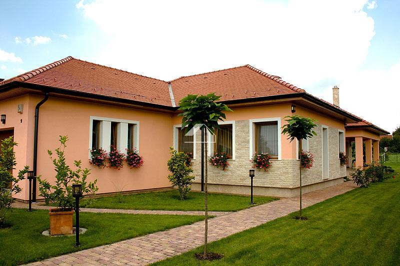 Családi lakóház építése