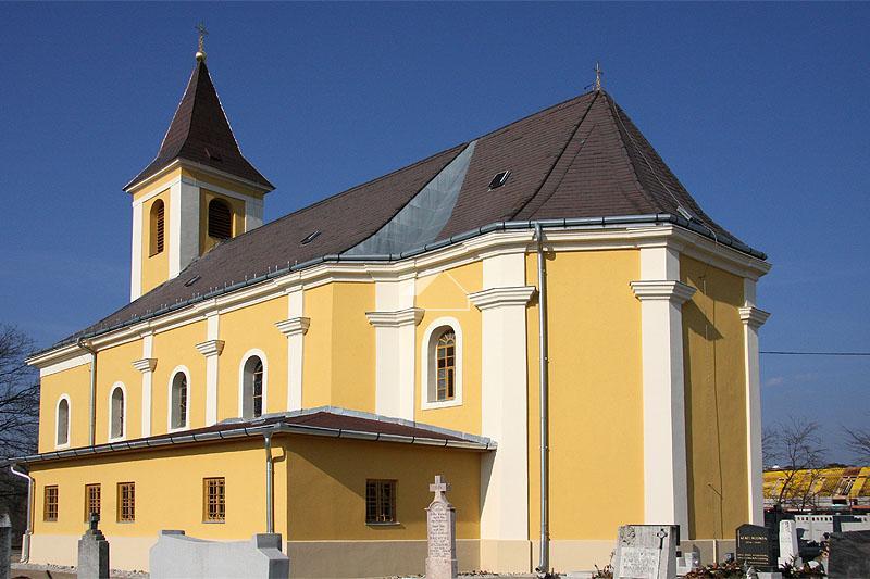 Kisbaráti római katolikus templom felújítása
