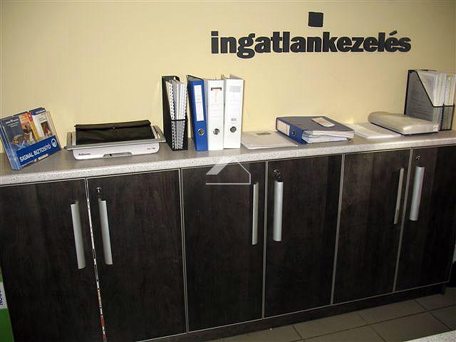 Takarékszövetkezeti fiók kialakítása Győrben