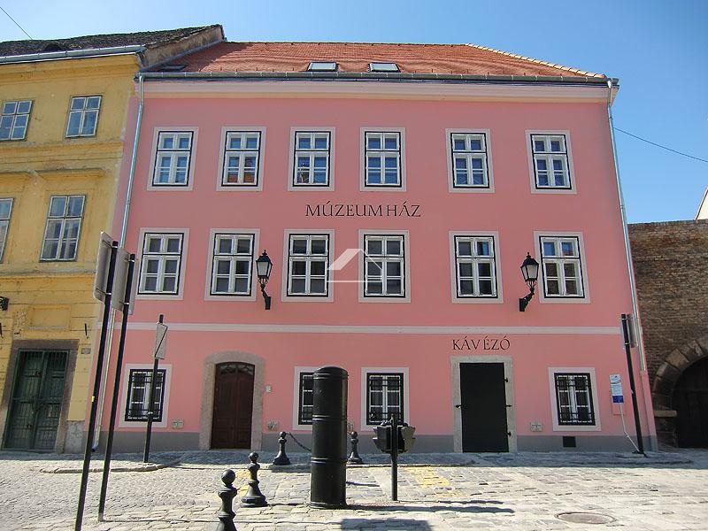 Bástya Múzeumház rekonstrukciója